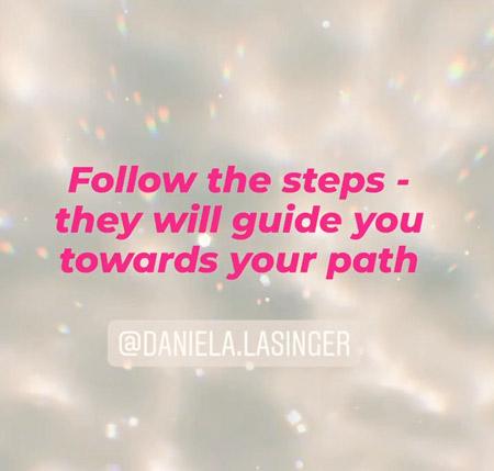 Bild: Follow the steps - Beitragsbild by Daniela Lasinger für Blogartikel.
